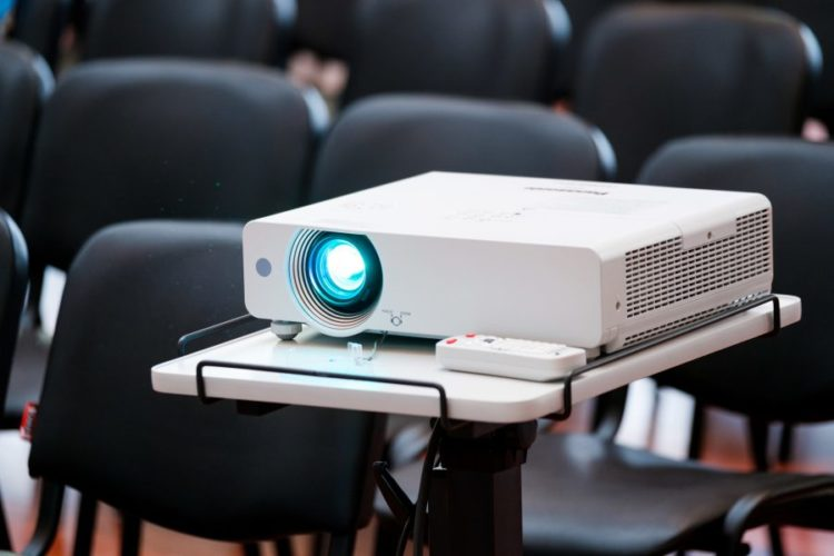 Best projector under 500